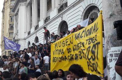 Privatização é objetivo dos ataques à UFRJ e ao Museu Nacional