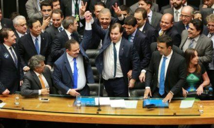Refis: parlamentares têm desconto milionário em dívidas e ainda assim dão calote na Receita