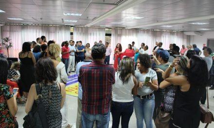 Servidores públicos baianos realizam ato e sindicatos convocam assembleia conjunta nesta terça-feira
