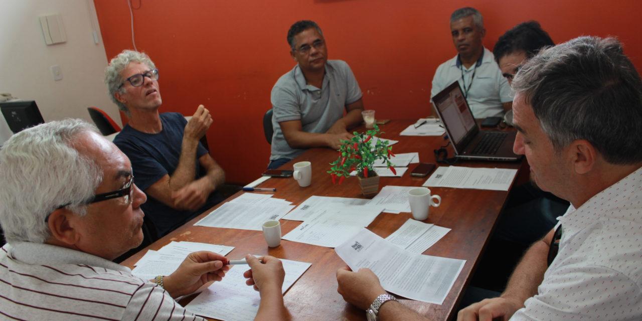 Campanha de mídia, panfletagem e passagens em sala fazem parte do calendário de mobilização docente na UESC