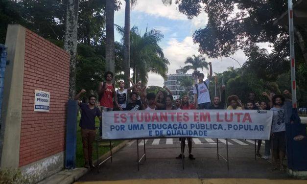 UESC: Fechamento de portões e pavilhões marcam Dia Estadual de Luta Estudantil