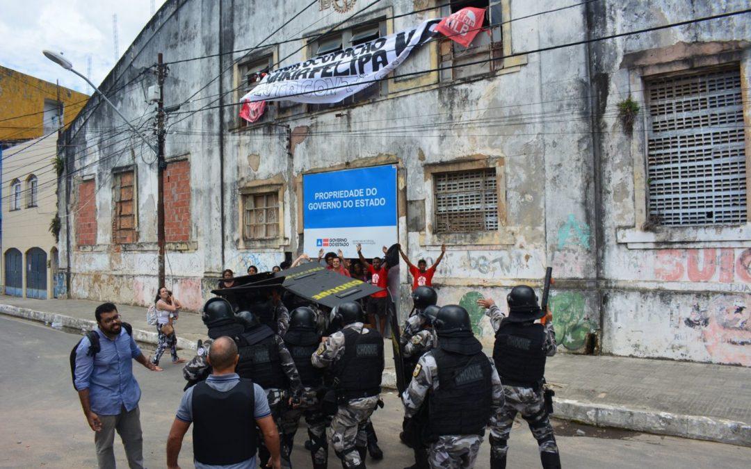 Professores repudiam violência da Polícia Militar e Governo Rui Costa