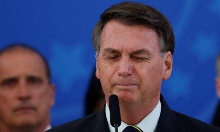 Advogados de diversos estados apresentam ao STF notícia-crime contra Bolsonaro