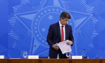 Ministro da Saúde pede demissão em menos de um mês: política genocida de Bolsonaro deixa país à deriva
