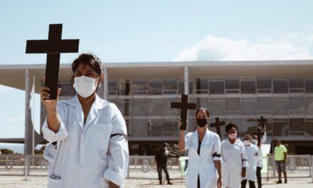 12M: Profissionais da enfermagem publicam carta aberta e fazem protestos nesta terça-feira