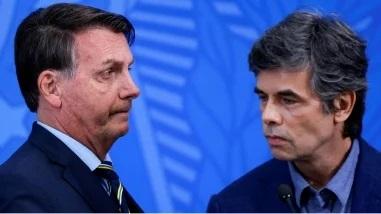 """Bolsonaro cria """"atividades essenciais"""" e ministro da Saúde se cala"""