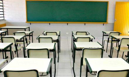 Absurdo: trabalhadores da Educação podem perder 1/3 de hora-atividade