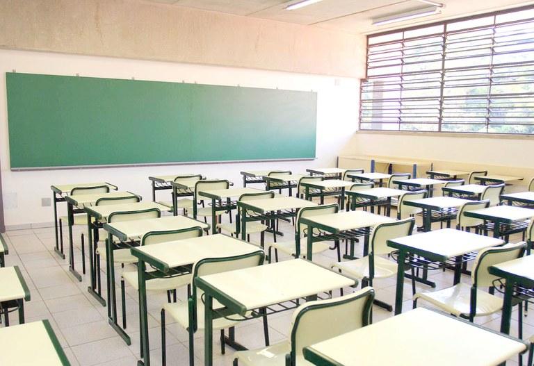 Mais da metade das pessoas de 25 anos ou mais não concluíram a Educação Básica