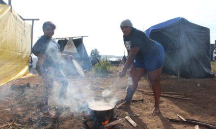Retrato da fome na pandemia: mulheres de ocupações relatam dificuldades para garantir o pão
