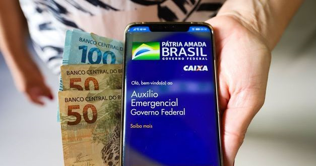 Auxílio emergencial volta a ser pago dia 6, mas com valor insuficiente