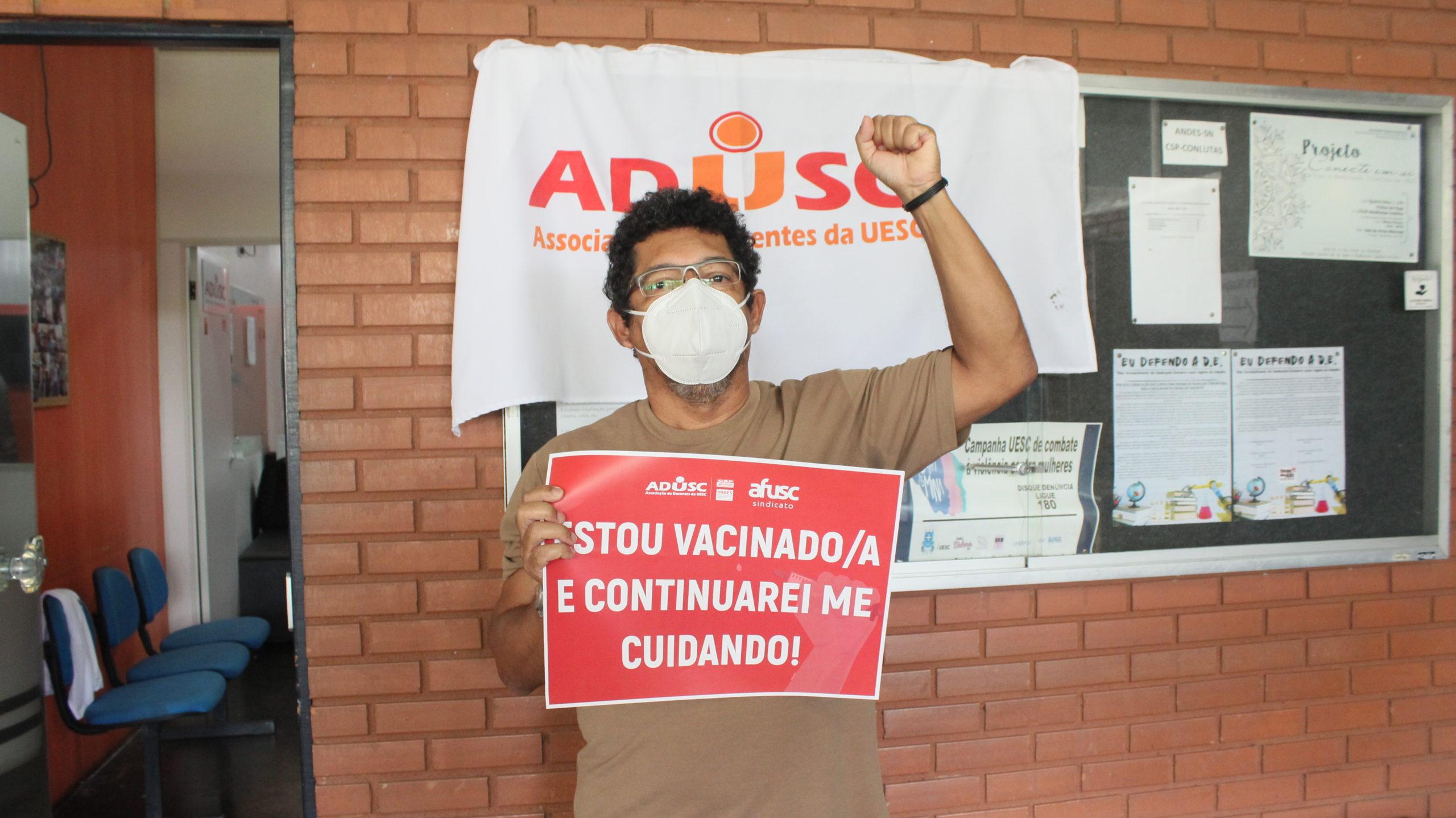 Primeiro dia de vacinação dos servidores da UESC; Confira as fotos