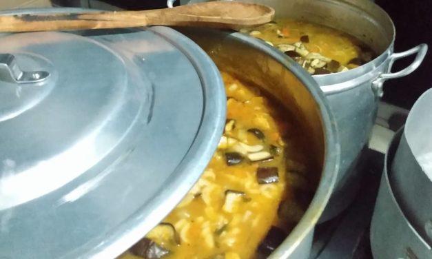 Campanha Prato Cheio serve sopão em Itabuna