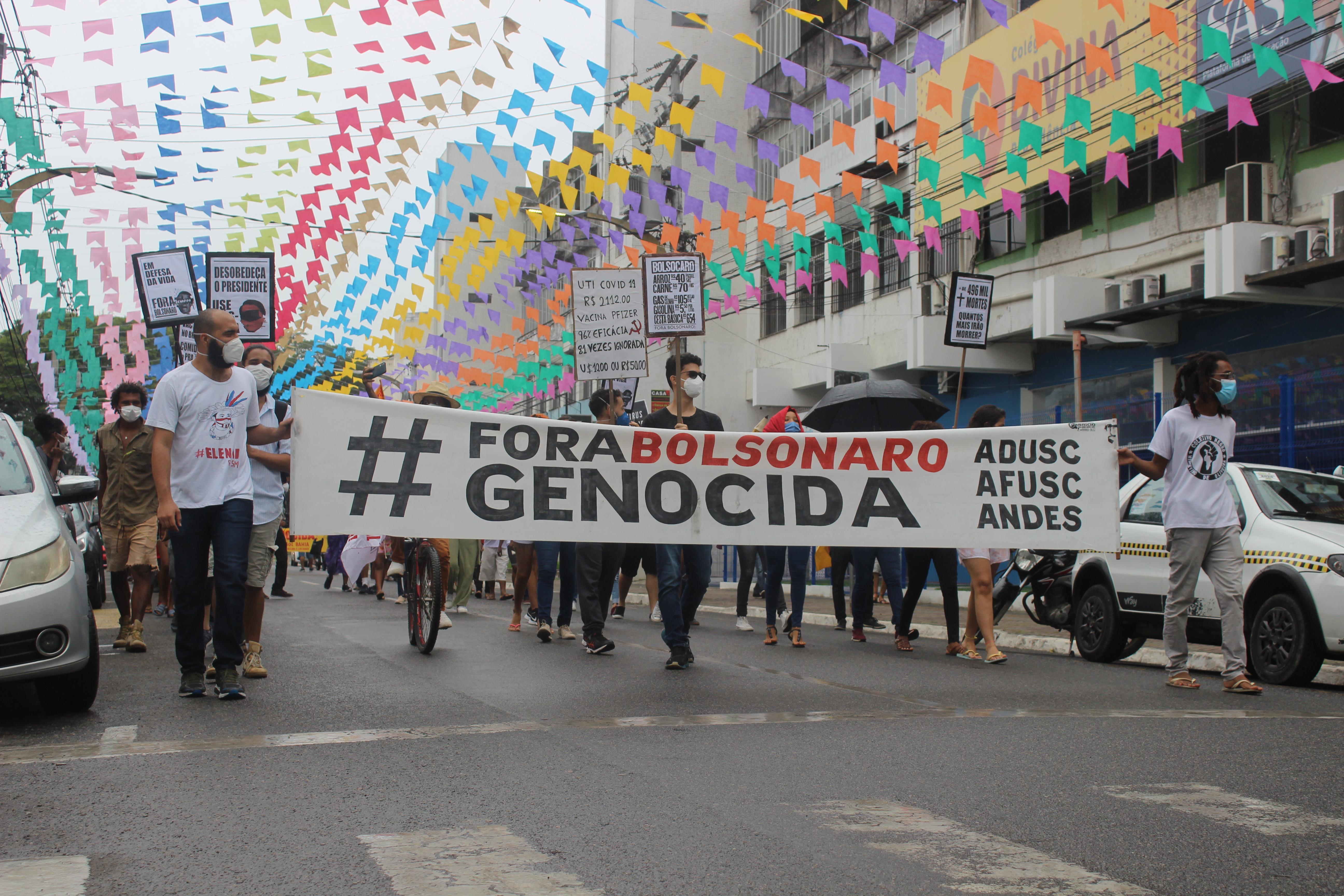 19J: População vai às ruas em Itabuna pelo #ForaBolsonaro