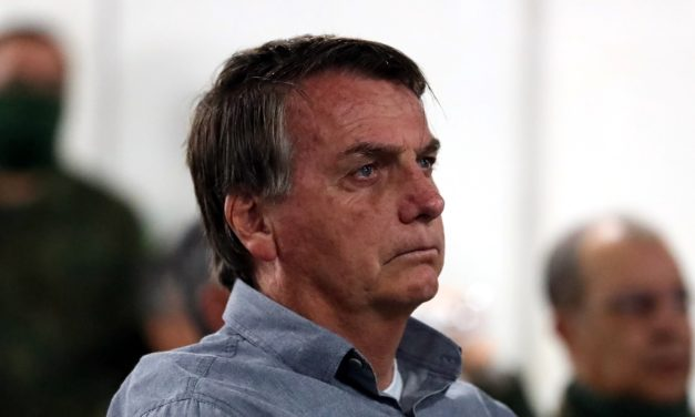 Rejeição a Bolsonaro bate recorde e chega a 64% da população brasileira
